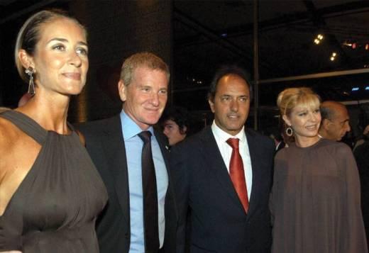 De Narváez y su esposa, con su ex jefe político y su esposa