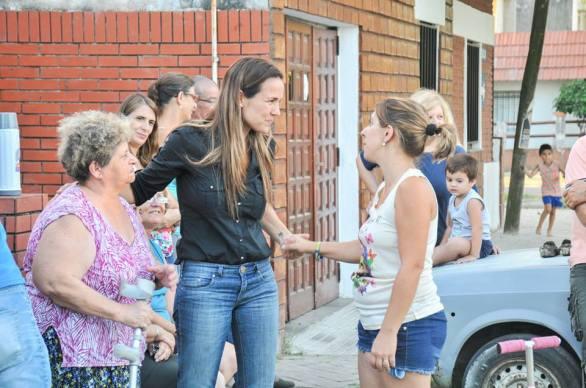 Martínez en los barrios, con la gente