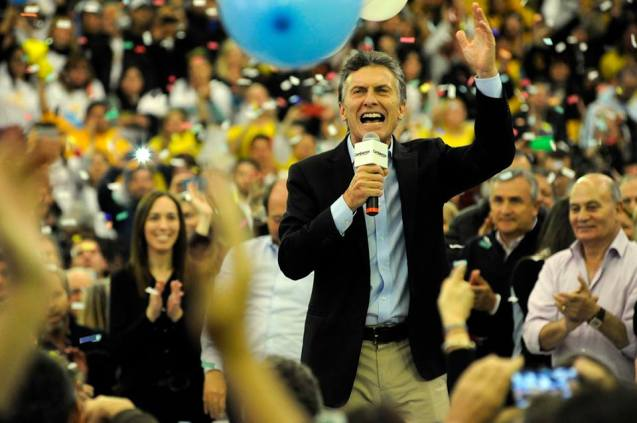 Macri crece. La foto es un símbolo. Detrás Vidal su sostén. Venegas peronista y Morales radical